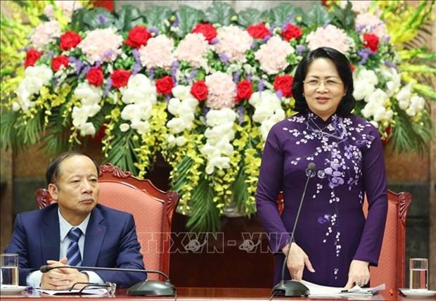 La presidente par interim Dang Thi Ngoc Thinh recoit des chefs des PME hinh anh 1