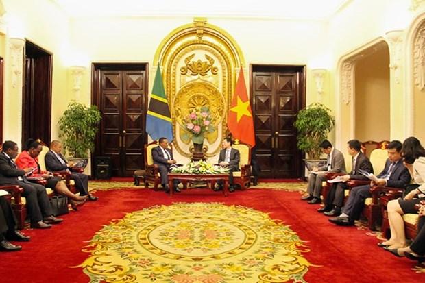 Le Vietnam souhaite cultiver les relations de cooperation avec la Tanzanie hinh anh 2