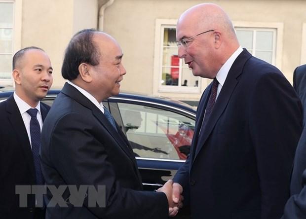 Le PM Nguyen Xuan Phuc visite l'Universite de sciences appliquees Krems hinh anh 1