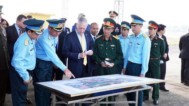 Le Vietnam et les Etats-Unis boostent leur cooperation en matiere de defense hinh anh 2