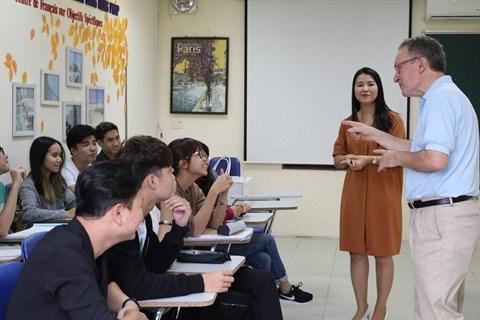 Formation pour des cadres des associations de profs de francais a Hanoi hinh anh 1