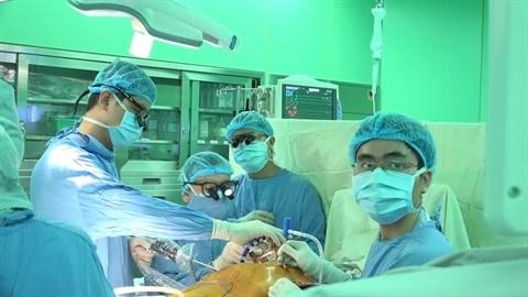 Cooperation entre trois grands hopitaux pour des greffes d'organes hinh anh 2