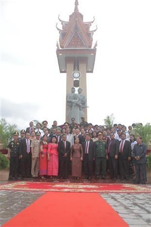 Le 11eme monument de l'amitie Vietnam-Cambodge est inaugure au Cambodge hinh anh 1