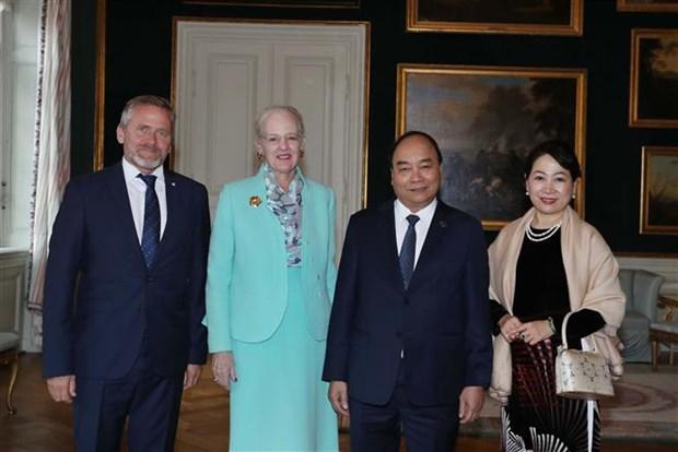 Le Premier ministre Nguyen Xuan Phuc rencontre la reine danoise hinh anh 1