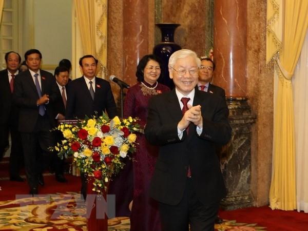 Le secretaire general du PCV et president Nguyen Phu Trong travaille avec le bureau presidentiel hinh anh 1