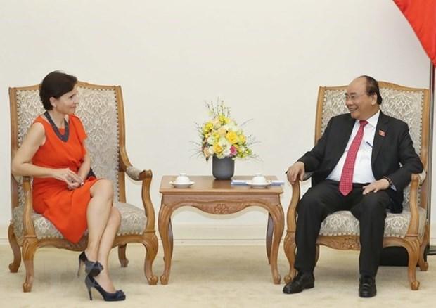 Le PM Nguyen Xuan Phuc recoit l'ambassadrice d'Italie hinh anh 1