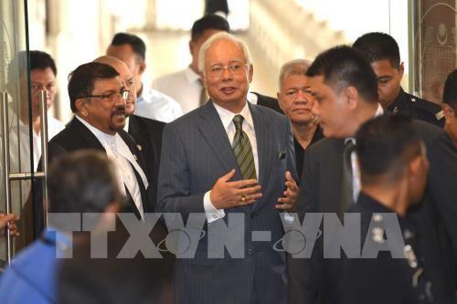 L'ancien PM malaisien Najib continue d'etre accuse dans le scandale du Fonds 1MDB hinh anh 1
