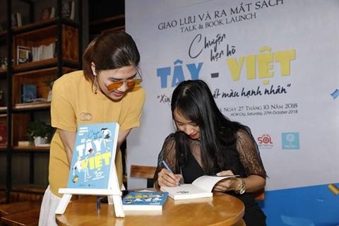 Sortie du livre Chuyen hen ho Tay-Viet hinh anh 1