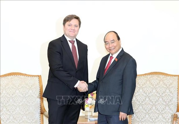Le Premier ministre Nguyen Xuan Phuc recoit l'ambassadeur polonais hinh anh 1