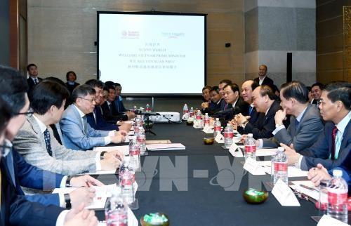 Le PM rencontre des responsables de groupes chinois hinh anh 1
