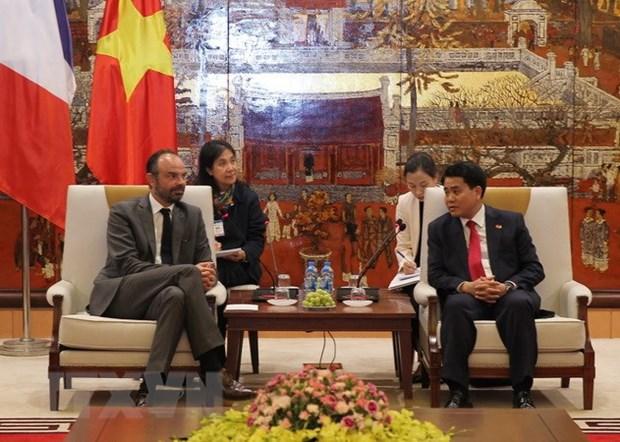 Pour promouvoir la cooperation efficace entre Hanoi et des localites francaises hinh anh 1