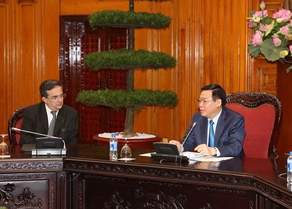 Le vice-PM Vuong Dinh Hue recoit des entreprises francaises hinh anh 1
