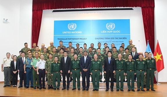 Le Vietnam organise un cours de formation de sapeurs de maintien de la paix de l'ONU hinh anh 1