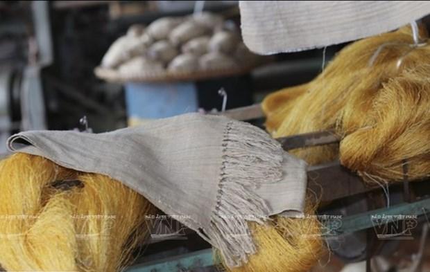 L'artisane Phan Thi Thuan, du lotus a la soie hinh anh 2