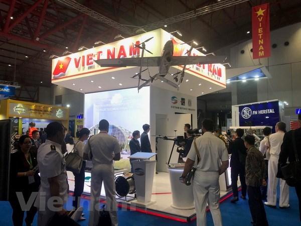 Le Vietnam affirme le developpement de son industrie de defense hinh anh 1