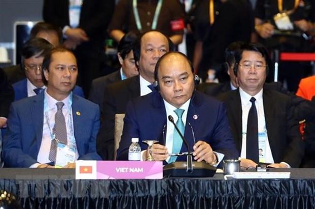 Le PM participe au 21e Sommet de l'ASEAN+3 hinh anh 1