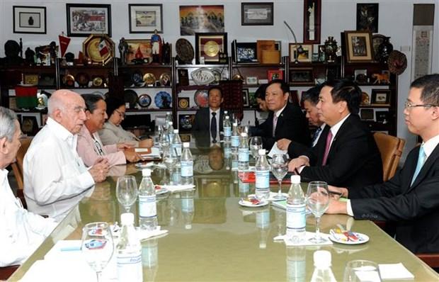 Un haut dirigeant cubain recoit une delegation du PCV hinh anh 1
