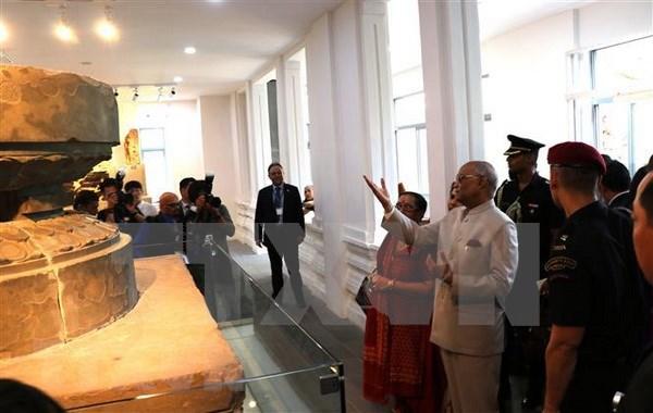 Le president indien visite le musee de sculpture Cham de Da Nang et le sanctuaire de My Son hinh anh 1