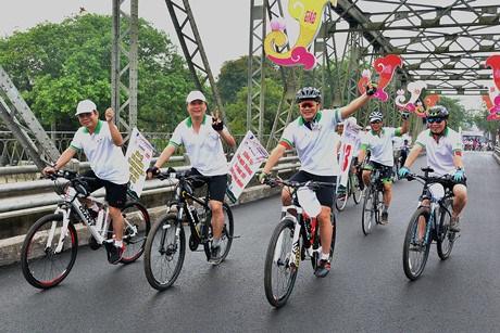 A velo pour decouvrir la capitale Hanoi autrement hinh anh 2