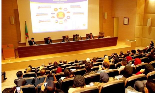 Le Vietnam participe a un colloque sur l'ASEAN en Algerie hinh anh 1