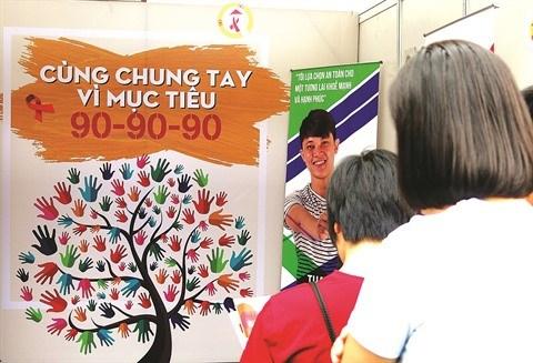Pour eradiquer le sida, le Vietnam met en avant la regle des