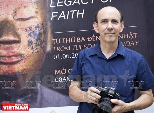 """Le photographe francais Nicolas Cornet, """"Vietnam Pagodes"""" et plus hinh anh 1"""