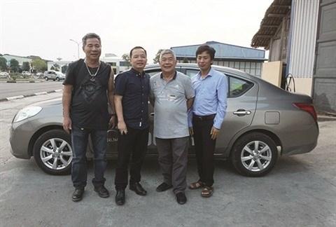 Un Viet kieu se mouille pour les conducteurs handicapes au Vietnam hinh anh 1