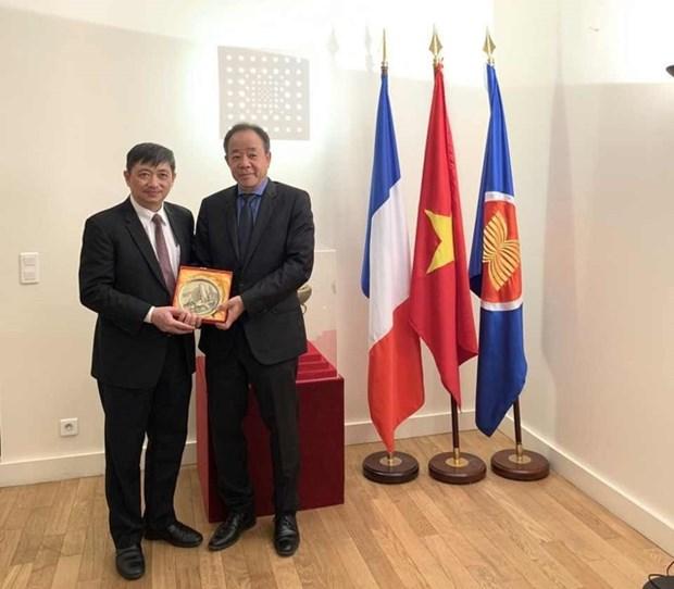 Promotion du tourisme du Centre du Vietnam en Europe hinh anh 1