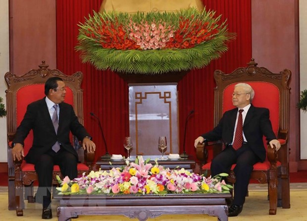 Le Vietnam cherit l'amitie et la cooperation avec le Cambodge hinh anh 1