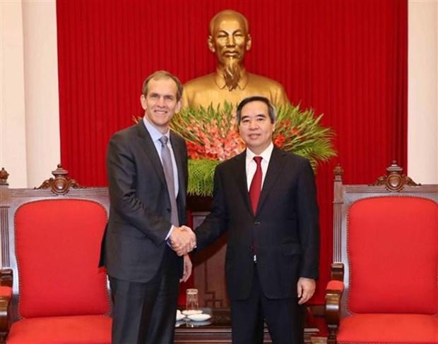 Le Vietnam promet les meilleures conditions pour Google hinh anh 1