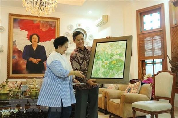 L'ambassadeur vietnamien en Indonesie rencontre la cheffe du PDI-P hinh anh 1