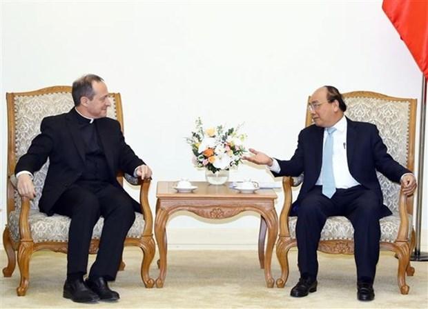 Le PM Nguyen Xuan Phuc recoit une delegation du Saint-Siege hinh anh 1