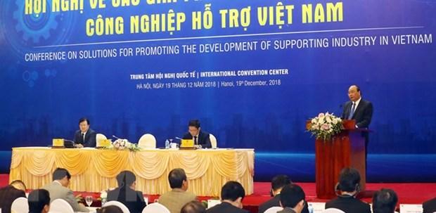 Le PM demande une priorite au developpent de l'industrie auxiliaire hinh anh 1
