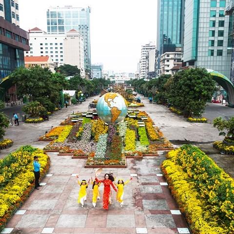 Tet 2019 : preparation de la rue florale Nguyen Hue a Ho Chi Minh-Ville hinh anh 1