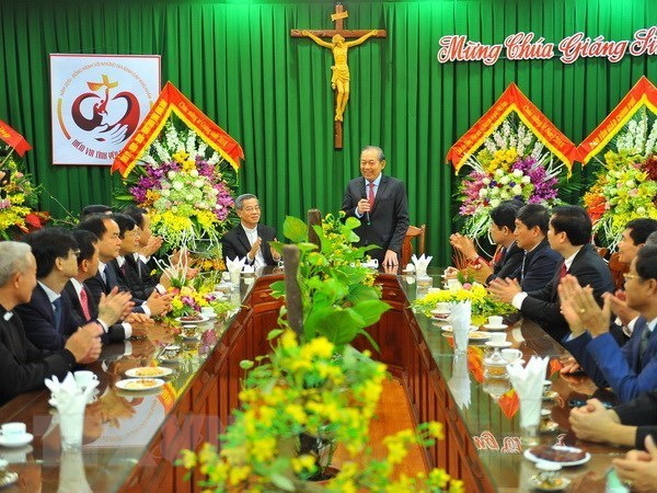 Des autorites formulent ses vœux de Noel aux catholiques a Ninh Binh, Nam Dinh et Bac Ninh hinh anh 1