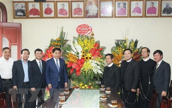 Le president du Comite populaire de Hanoi adresse ses vœux de Noel aux catholiques de la capitale hinh anh 1