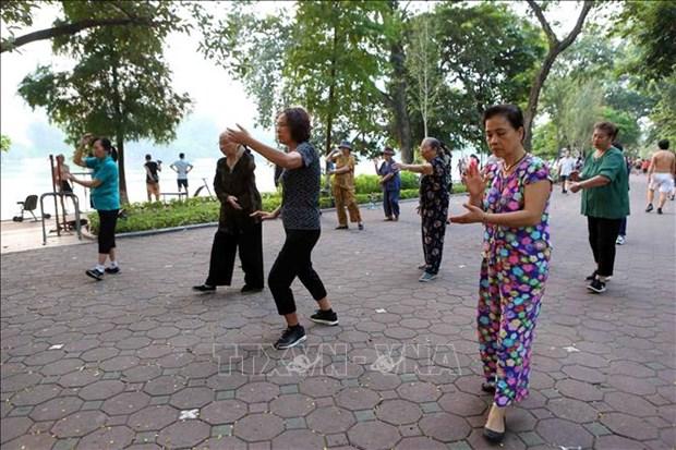 Les Hanoiens vivent le plus longtemps au Vietnam hinh anh 1