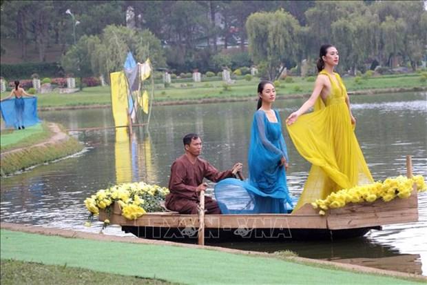 Presentation de la soie de Bao Loc et des brocatelles de Lam Dong hinh anh 1