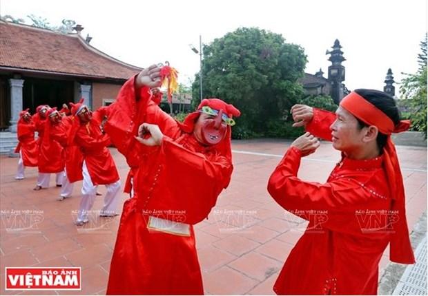 Bui Van Hung, l'ame de la danse folklorique Xuan Pha hinh anh 3