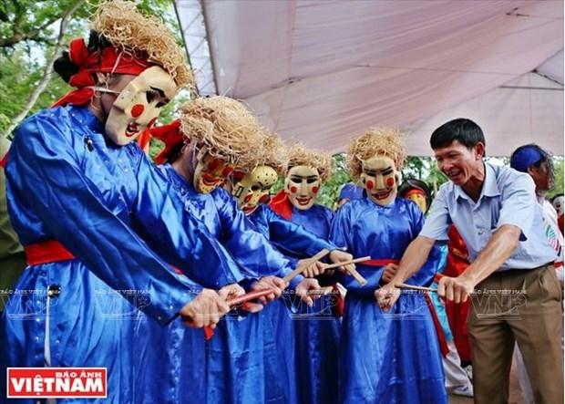 Bui Van Hung, l'ame de la danse folklorique Xuan Pha hinh anh 2