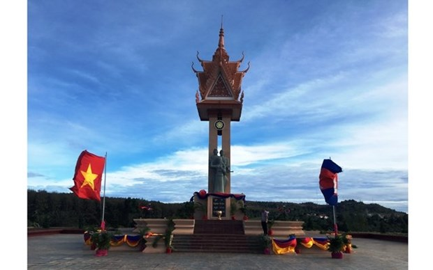 Le Cambodge inaugure un monument d'amitie Vietnam-Cambodge dans la region du Nord-Est hinh anh 1