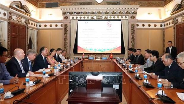 HCM-Ville et Royaume-Uni resserrent leur cooperation dans le developpement urbain hinh anh 1