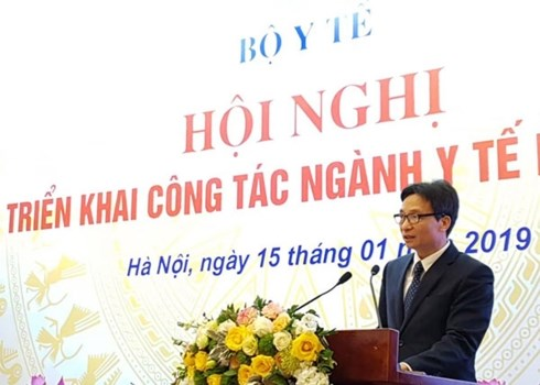 Le vice-Premier ministre Vu Duc Dam exhorte le secteur de la sante a mieux faire hinh anh 1