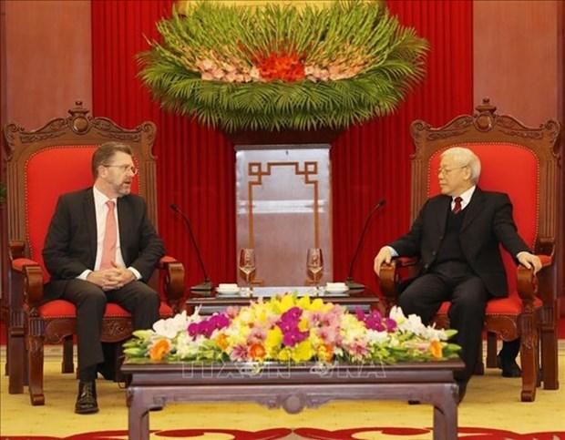 Le secretaire general du Parti et president Nguyen Phu Trong recoit le president du Senat australien hinh anh 1