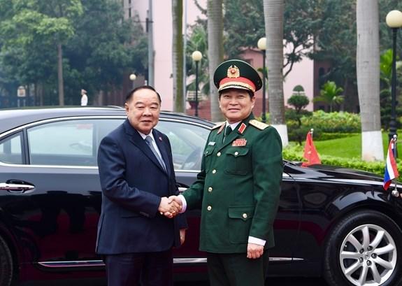Le vice-PM et ministre de la Defense de Thailande en visite officielle au Vietnam hinh anh 1