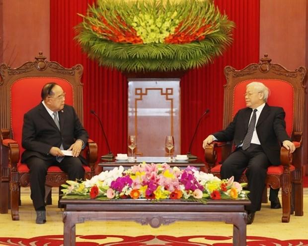 Le leader du PCV recoit le vice-PM et ministre thailandais de la Defense hinh anh 1
