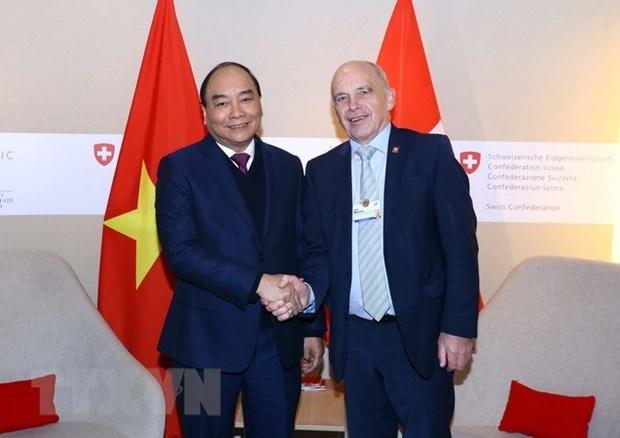 Le PM Nguyen Xuan Phuc conclut sa visite pour assister au WEF 2019 hinh anh 1