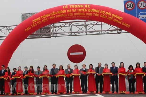 Ouverture au trafic du pont Hung Ha reliant Hung Yen a Ha Nam hinh anh 1