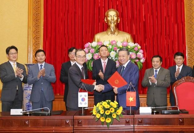 Le Vietnam et la R. de Coree signent un accord de cooperation contre la criminalite transnationale hinh anh 1