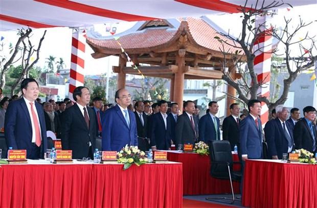 Le Premier ministre Nguyen Xuan Phuc salue les apports des ouvriers hinh anh 3